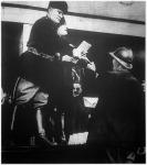Mussolini jutalmat ad a mesterséges olasz város lakóinak.