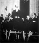 Gróf Bethlen István volt miniszterelnök Debrecenben beszámolót tartott és közel kétórás beszédben ismertette Magyarország bel- és külpolitikai helyzetét és a gazdasági kérdéseket.
