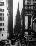 A Wall Street, New-York legkeskenyebb uccája, mégis itt intézik a világ pénzügyeit.
