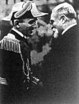 Öt perccel a gyilkosság előtt I. Sándor mosolyogva fogadja  Barthou üdvözlését