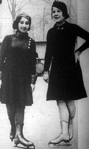 Erdős Klári (balra) és Sonja Hennie