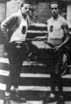 Matura Ernő és Lovass Antal a start előtt. Matura kezében a Mussolininek szánt díszalbum