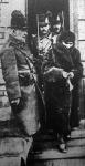 Bognárné beismerte, hogy megölte férjét. Csendőrök kíséretében a Duna partra indul